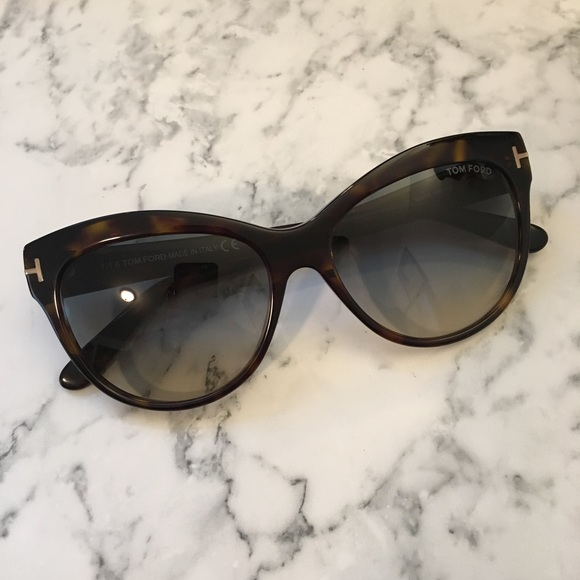 d395c8ae79b8f Tom Ford Tortoise Lily Cat Eye Sunglasses. M 5a4e613aa825a60caa00ec07